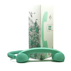 Native Union POP Phone Mint - only learned about these bad boys this summer - i want one for no reason. I want to pretend I'm rich.