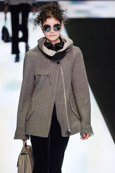 Giorgio Armani Fall-Winter 2016, Womenswear - Catwalks (#24766)