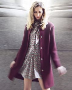 Pair a flowing printed dress with a perfectly tailored wool coat #FW #StyleTip #MadeInItaly #OOTD #PhilosophyDiLorenzoSerafini #LauraUrbinati