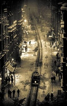 Once upon a time Beyoğlu - İstanbul - American Curl, Photography Tours, History Of Photography, Old Pictures, Old Photos, Istanbul Pictures, Countries Of Asia, Ankara, Great Pic