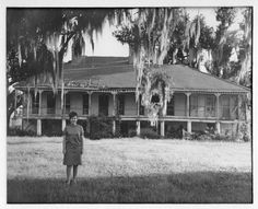 Pin by Kim Lawyer on Haunting Images Abandoned Plantations, Louisiana Plantations, Abandoned Houses, Old Houses, Haunted Images, Creole Cottage, Southern Mansions, Revival Architecture, Vintage House Plans