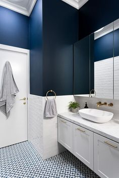 stunning small bathroom makeover ideas for you 3 > Fieltro.Net - - stunning small bathroom makeover ideas for you 3 > Fieltro. Modern Bathroom Design, Bathroom Makeover, Navy Bathroom, Bathroom Interior, Contemporary Bathroom Designs, Luxury Bathroom, Bathroom Decor, Tile Bathroom, Small Bathroom Makeover
