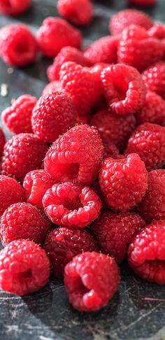 Fruit Jam, Red Fruit, Fruit And Veg, Food Wallpaper, Pink Wallpaper Iphone, Summer Drink Recipes, Summer Drinks, Fruit Photography, Colorful Fruit