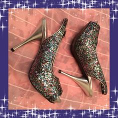 "GLITTER SHOES 👠 THEESE ADORABLE SHOES DEFINITELY ARE FOR LADIES NIGHT OUT, PROM OR A NIGHT PARTY OR DINNER! THEY ARE IN PERFECT CONDITION. WORN JUST TWICE. LIKE NEW! 😀 THE HEEL IS 4"" 1/4 HIGH. JC PENNEY Shoes Heels"