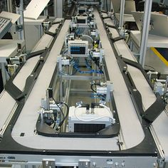 Montech designed an that features a single belt to transport injection valves to multiple workstations. After processing, the valves are discharged to the next station via bypass conveyors. The system is approved for clean rooms. Conveyor System, Transportation, Engineering, Belt, Cnc, German, English, Design, First Grade