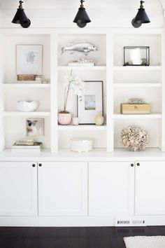 Spring Home Tour Week One: Doreen Corrigan (Centered By Design) Coastal Living Rooms, Home Living Room, Living Room Decor, Living Area, Living Room Shelves, Living Room Storage, Living Room Built Ins, Bedroom Built Ins, Bookshelves Built In