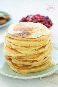Die besten Pancakes (Grundrezept) | Backen macht glücklich Easy Like Sunday Morning, Food And Drink, Baking, Breakfast, Ethnic Recipes, American Pancakes, Morning Coffee, Bakken, Backen