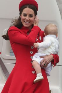 Kate Middleton Photos - Kate Middleton and Prince William left baby Prince George at home for a day out at Anglesey on August The royal couple helped launch the Ring of Fire Endurance race. - Kate Middleton and Prince George Visit Anglesey Princesa Charlotte, Princesa Kate, Princesse Kate Middleton, Kate Middleton Prince William, Prince William And Kate, William Kate, Duchess Kate, Duke And Duchess, Duchess Of Cambridge