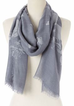 Gray Spring Butterfly Cashmere-Blend Scarf How To Wear Scarves, Womens Fashion, Fashion Trends, Fashion Ideas, Dress Me Up, Passion For Fashion, Look, Women Accessories, Cashmere