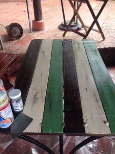 Mesa restaurada por Camila Palacios para MonteMadero Casa Hotel