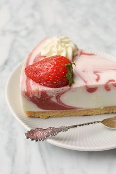 Aardbeien yoghurttaart Gourmet Desserts, Gourmet Recipes, Baking Recipes, Sweet Recipes, Delicious Desserts, Baking Bad, Pie Cake, Cheesecake Recipes, Cupcake Cakes