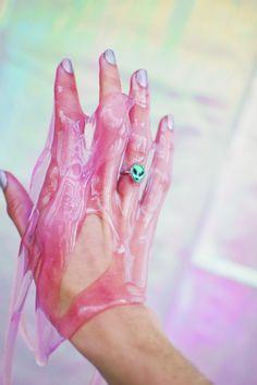 http://space-grunge.tumblr.com/post/70471944692/model-kara-lyne-szabadi-ring-penelope-meatloaf