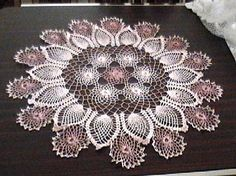 Roses and pineapple doily ~ free pattern ᛡ