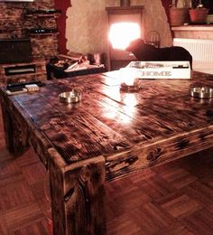 DIY Antique Wood Pallet Coffee Table | 99 Pallets