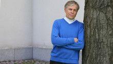 Taloustutkija Mika Pantzarin mukaan Suomea ei vaivaa vaihtoehtojen puute vaan yleinen näköalattomuus. Kuva: Saana Katila