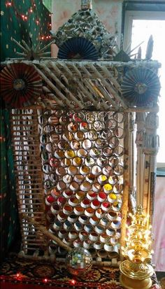 Get eco-friendly Ganpati decoration ideas for home Ganpati. Discover DIY Ganpati decoration crafts ideas and simple Ganpati makhar and idol decoration ideas Eco Friendly Ganpati Decoration, Ganpati Decoration Design, Mandir Decoration, Ganapati Decoration, Festival Decorations, Paper Decorations, Light Decorations, Ganpati Picture, Ganesh Chaturthi Decoration