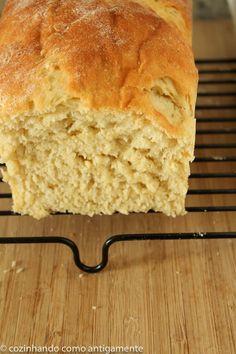 Receita de pão de mandioca (ou macaxeira como é conhecida aqui no nordeste). Um pão macio e denso ao mesmo tempo. Sabor bem brasileiro!