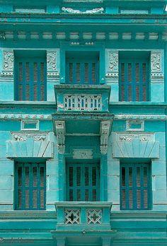 Facade in blue | Porto Alegre, RS, Brasil | Paulo Heuser