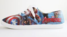 Make your own amazing DIY Avengers Superhero Shoes with party napkins, decoupage glue (like Mod Podge), and blank canvas shoes. Decoupage On Canvas, Decoupage Glue, Avengers Crafts, Superhero Birthday Party, Birthday Parties, Avengers Superheroes, Marvel, Party Napkins, Custom Canvas