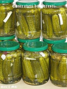 Castraveti bulgaresti ~ Culorile din farfurie Canning Pickles, Good Food, Yummy Food, Artisan Food, Just Bake, Romanian Food, Canning Recipes, Yummy Eats, Cucumber