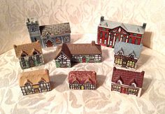 Wade Whimsie-on-Why Set 1 Miniature Houses, Tiny Houses, Ceramic Houses, Jewelry Boards, Mini Things, Vintage China, Cat Art, Art Boards, Red Roses