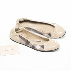 Burberry ballerina shoes: light, easy and shiny
