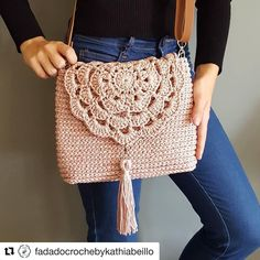 Crochet Cute Bags, Beach Bag, and Handbag Image Pattern for crochet bags purses; crochet bag for beginners; crochet bag for little girl Crochet Cute Bags, Beach Bag, and Handbag Image Pattern for crochet bags purses; crochet bag for Crochet Shell Stitch, Bead Crochet, Cute Crochet, Crochet Stitches, Crochet Baby, Crochet Patterns, Crochet Ideas, Free Crochet Bag, Crochet Handbags