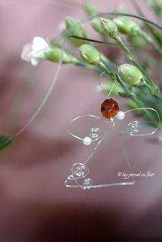 #jurnal cu flori, miercurea fara cuvinte, #ingeras decorativ din #sarma intre #flori #handmade