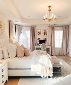 The way you decorate your home is somehow similar to choosing beautiful clothes to wear on a daily basis. An impressive interior decoration of your home or office is essential for your own state of mind, if nothing else. Girl Bedroom Designs, Room Ideas Bedroom, Home Decor Bedroom, Classy Bedroom Ideas, Dream Rooms, Dream Bedroom, Master Bedroom, Rich Girl Bedroom, King Bedroom