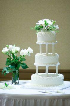 by True Era Photography #wedding #floralarrangement #detail #flowers #jacksonville #florida #ramadainn #weddingcake #publix
