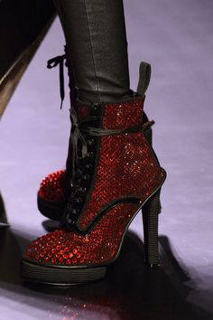 View all the detailed photos of the Jean Paul Gaultier haute couture spring 2016 showing at Paris fashion week. Jean Paul Gaultier, Paul Gaultier Spring, Dark Fashion, World Of Fashion, Fashion Show, Bootie Boots, Ankle Boots, Shoes 2016, Glitter Shoes