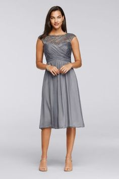 This knee-length dress is a dreamy option for Mom b3e84fd9a4cb