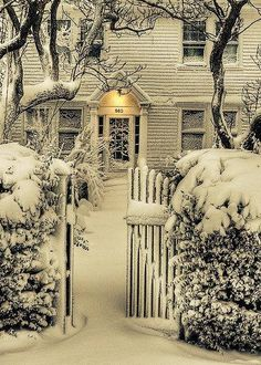 Wow! This beautiful home from suburban Philadelphia immediately makes us think of IT'S A WONDERFUL LIFE!