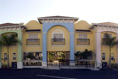 Hotel Isis - Hotels.com - Hotel rooms with reviews. Discounts and Deals on 85,000 hotels worldwide