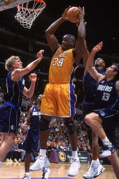 Shaq-beast Basketball Is Life, Basketball Pictures, Basketball Legends, Sports Basketball, Basketball Players, Slam Dunk, Lebron James, Michael Jordan, Dallas