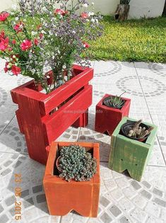 wooden-pallets-planters