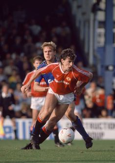 247 Manchester United 1988 Football Photos and Premium High Res Pictures - Getty Images