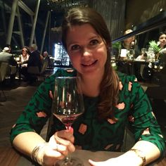 Samen Bourgondisch - Deborah van der Pol Oreo Trifle, White Wine, Wine Glass, Christmas Sweaters, Alcoholic Drinks, Food, Wordpress, Desserts, Seeds