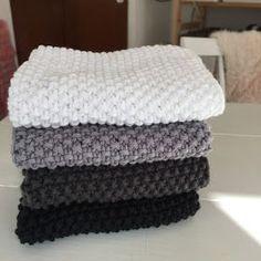 Striped shawls made of organic Karen Klarbæk yarn. Nice style for the kitchen … - Easy Yarn Crafts Dishcloth Knitting Patterns, Knit Dishcloth, Knit Patterns, Crochet Home, Free Crochet, Knit Crochet, Easy Yarn Crafts, Stitch Witchery, Crochet For Beginners