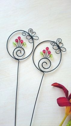 Wire Crafts, Metal Crafts, Jewelry Crafts, Wire Wrapped Jewelry, Wire Jewelry, Copper Wire Art, Wire Flowers, Wire Weaving, Beading Projects