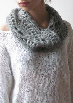 Chunky cowl Scarf grey / Crochet lacey Neck