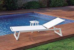 Camastro Themis con mesa lateral Messina, exclusivo de Sindo Outdoor. #sindoutdoor #sindolove #sindomuebles  www.sindo.mx