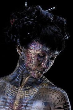 Stunning body painting repinned by www.BlickeDeeler.de