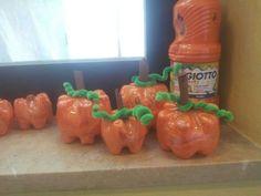 Lavoretti bambini con fondi bottiglie di plastica x halloween.