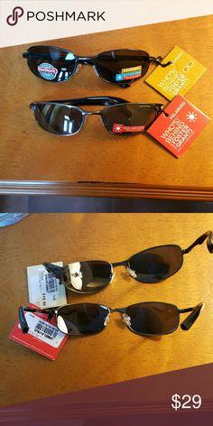 Foster Grant polarized sunglasses 2fer Foster Grant polarized sunglasses. A pair and a spare. No scratches. Polarized lenses block glare. Great for driving in winter or summer. Foster Grant Accessories Sunglasses