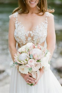 20 King Protea Bouquets That are Bold and Beautiful {Tamara Gruner Photography}