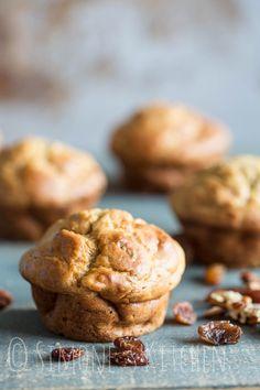 Deze bananen muffins met kwark zijn eenvoudig om te maken en het perfecte gerecht voor als je weer eens een overschot banaan hebt!