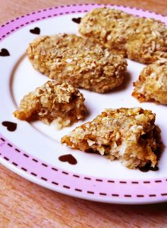 Two-ingredient cookies with no sugar, flour, or eggs. Just healthy fruit and oats! Great for making with little kids.