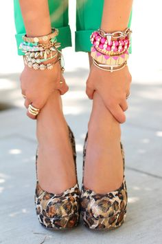 Wowee. Per-fec-tion, and so chic. Loving the leopard shoes with the rolled up green pants and stacked bracelets are are MY signature. I stack like crazy. Makes any outfit looks like it's so chic. Biddy Craft