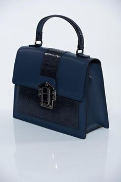 Kék hétköznapi táska rövid fülekkel 0adccc5d5b